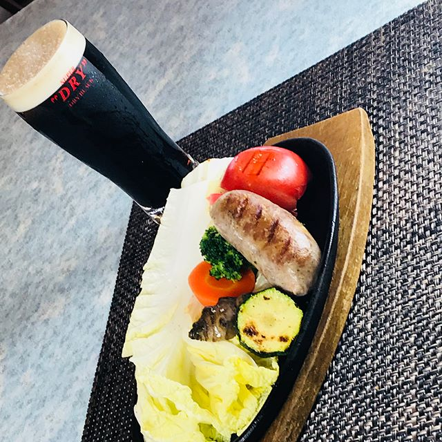 夏だ!ビールだ!!自家製ソーセージの季節だーー!!!#佐野市#洋食屋#体に優しいレストラン#自家製ソーセージ#焼きやさい #黒ビール #生ビール